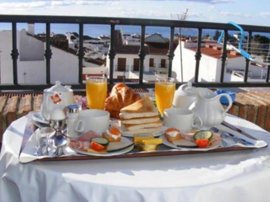 Hotel Casa Rosa: Breakfast & View