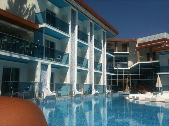 Ocean Blue High Class Hotel: ocean blue swim up rooms