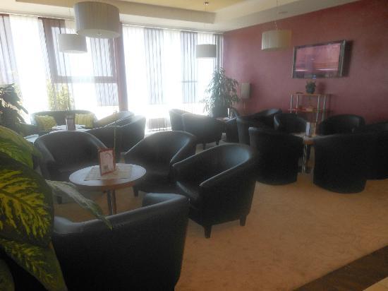 Design-Hotel-Restaurant Roemerhof: Lobby mit Flachbildschirm