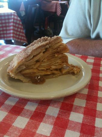 Jay Cafe: Apple pie, made by the owner's wife