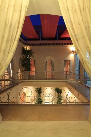 Riad Infinity Sea: la balconata da cui si accede alle suite