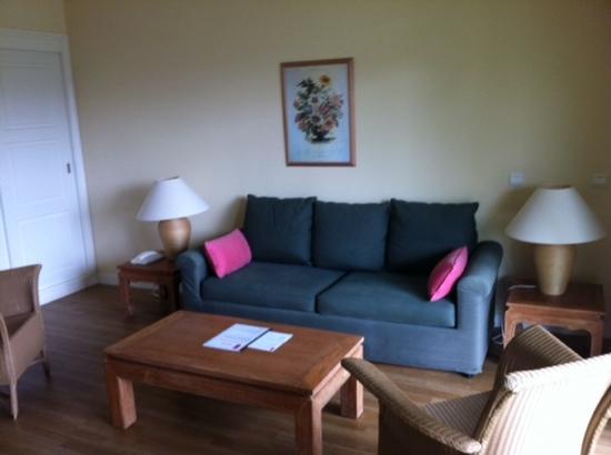 Suite & Green Golf de La Baule : salon avec belle surface.