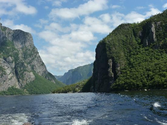 Western Brook Pond: scenery from tour boat