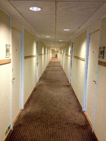 Scandic Eremitage : Hallway inside, carpets need a good clean