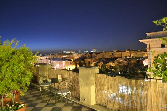 Hotel Nord Nuova Roma: caffe at the roof