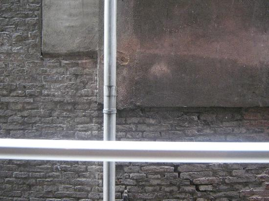 Hotel Cordial: muro