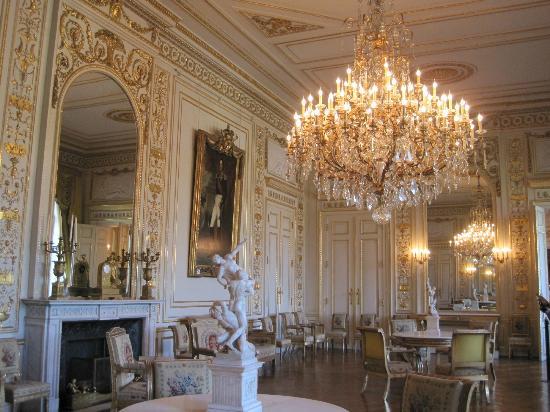 дворец пале рояль фото изнутри натолкнуло