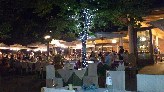 Corropoli, Italie : giardino estivo