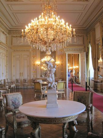 Royal Palace (Palais Royal): Beautiful Chandelier