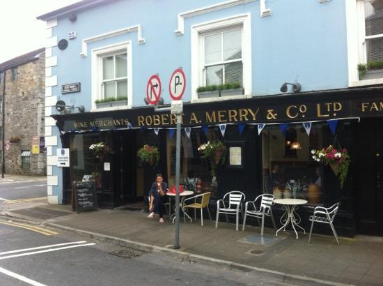 Merrys Gastro Pub: outside of merrys