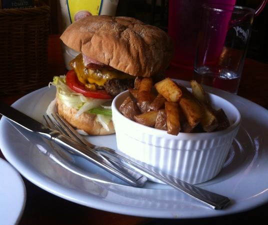 Merrys Gastro Pub : burger was delicious, wedges tasted like they had been reheated but were still good