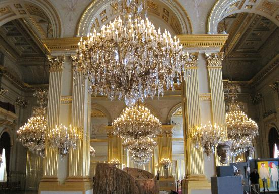Royal Palace (Palais Royal): Chandeliers in the Royal Palace