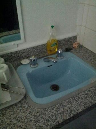 Blue Mountains Gday Motel: basin in kitchenette??