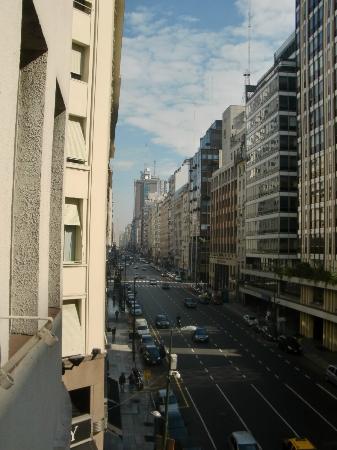 NH Collection Buenos Aires Jousten: Av. Corrientes vista hacia el Obelisco