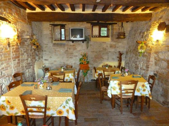 Agriturismo Casale dei Frontini: la sala ristorante