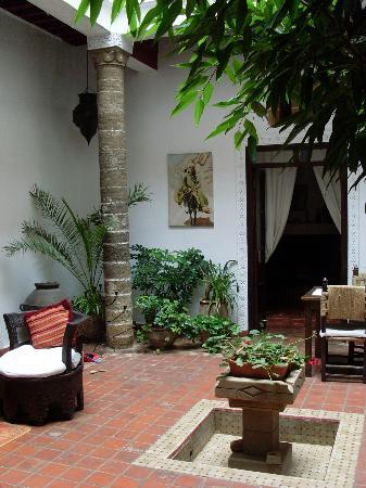 Dar Ness : Courtyard
