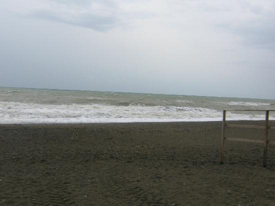Le Esperidi Village: Mare e spiaggia 2