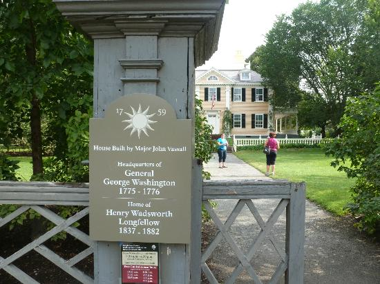 Boston Tours Day Tours: george washingtons command headquarters