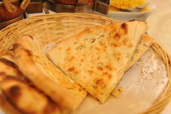 Indian Restaurant Shanti: Shanti Garlic Naan