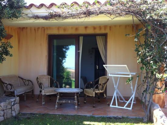 Hotel Costa Caddu: porticato camera