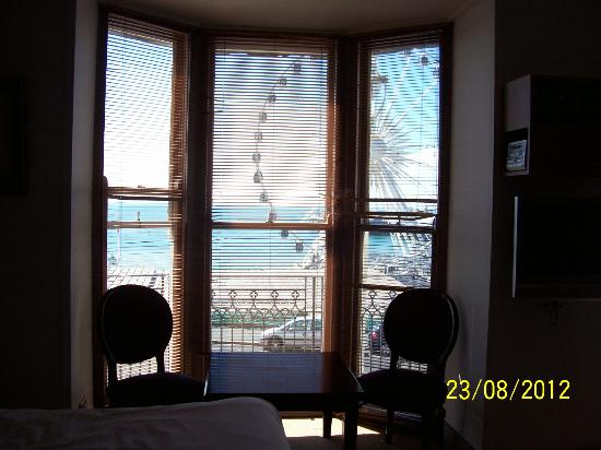 New Madeira Hotel: window view