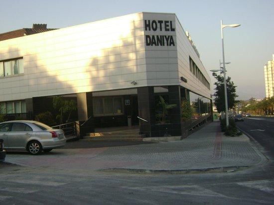 Daniya Alicante: Frente del hotel