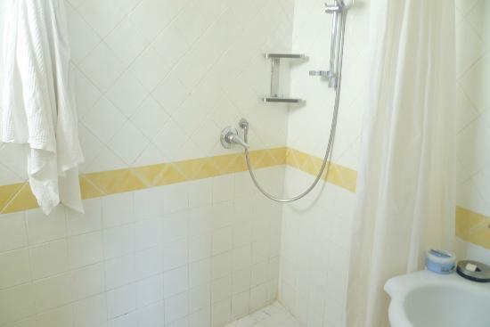 Albergo Villa Giusto: ampia doccia
