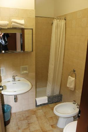 Hotel Ristorante G.L.A.V.J.C.: Badezimmer