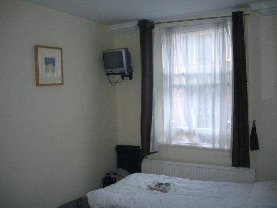 Bridge House Dublin : habitación