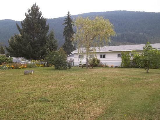 Mountain View Inn: back view