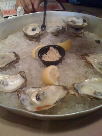 Shucks Oyster Bar: Oysters