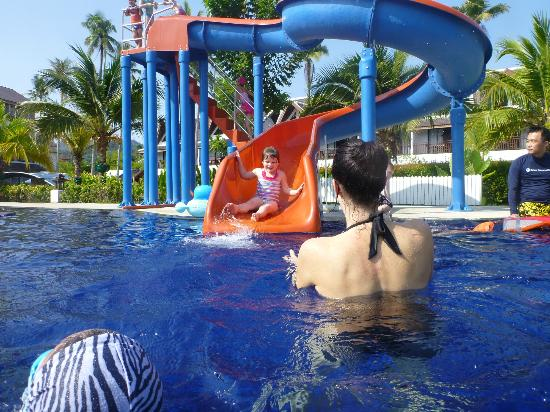 Sunwing Kamala Beach: Waterslide fun