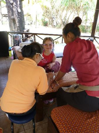 Sunwing Kamala Beach: Massage hut near beach- my daughter gets a pedicure