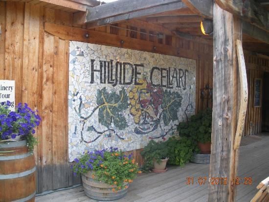 Hillside Winery: Entry to the Wine tasting room