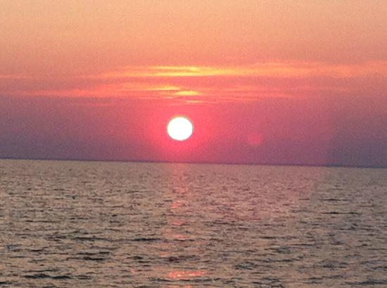 Lobster Roll Cruises: beautiful sunset