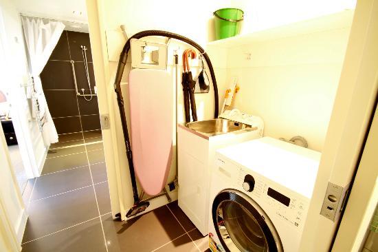 Alpine Apartments: Laundry