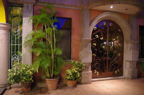 Hotel Portal del Angel: Gates to Meeting Rooms