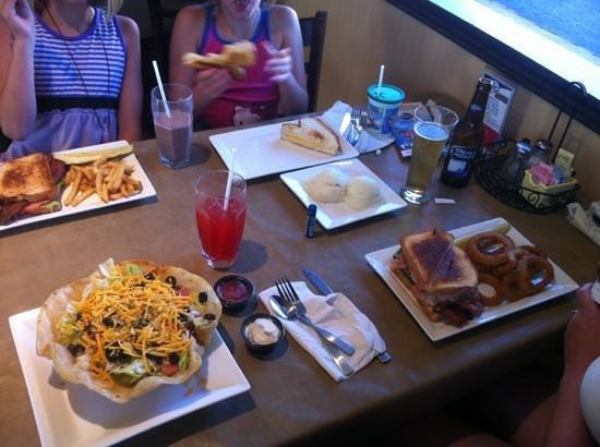 kilbourn broadway grill wisconsin dells restaurant reviews phone rh tripadvisor co nz