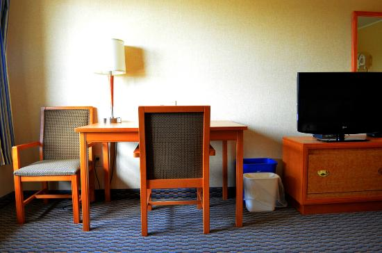 Comfort Inn - Dartmouth: Desk