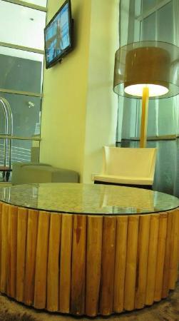 PARKROYAL Serviced Suites Kuala Lumpur: lobby area