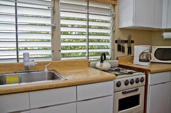 Coqui del Mar Guest House: Kitchen area of La Concha