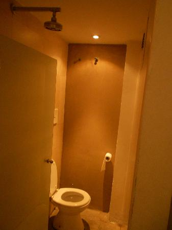 Hotel Costa Rica: Banheiro sem janela