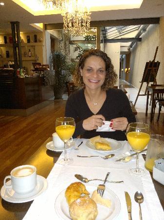 248 Finisterra : sala de café muito charmosa...
