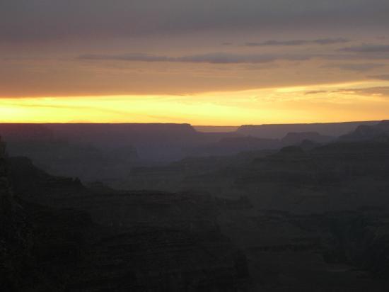 Canyon Tours : グランドキャニオンの夕日