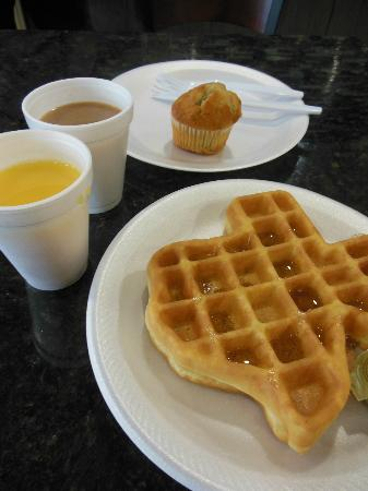 Microtel Inn & Suites by Wyndham Ft. Worth North/At Fossil Creek: Complimentary breakfast
