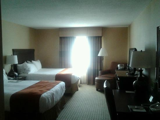 DoubleTree Resort by Hilton Hotel Lancaster: 2nd room that I booked.. Slightly smaller but both wonderful and clean