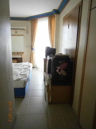 Kleopatra Micador Hotel: Etwas klein aber für zwei OK...