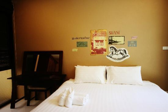 Feung Nakorn Balcony Rooms & Cafe: Grand suite : bed room