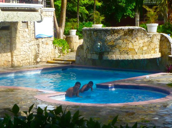 Talanquera Beach Resort: more pools