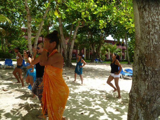 Talanquera Beach Resort: aerobics on the beach